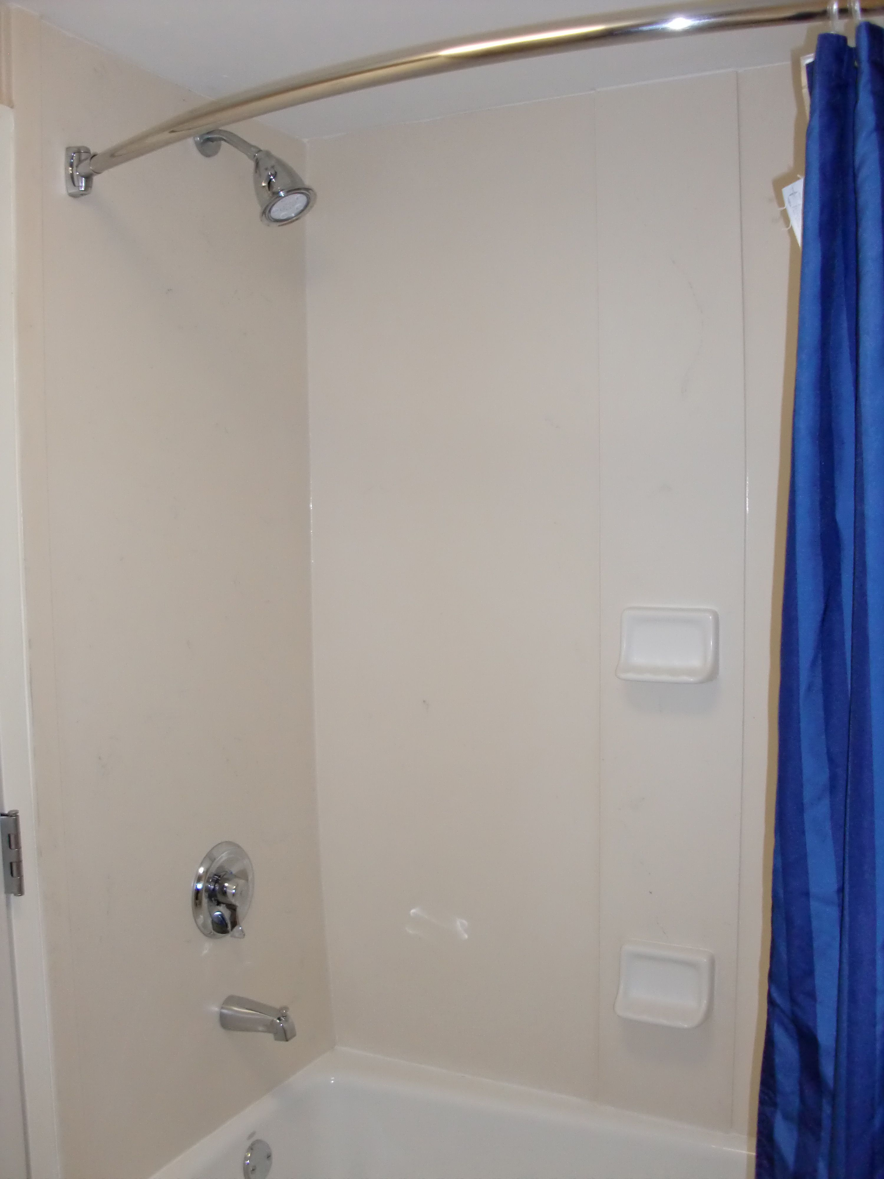 Courtyard by Marriott Wilmington, NC = awful | noplasticshowers