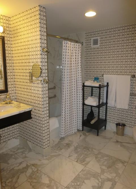 Bathroom in 315