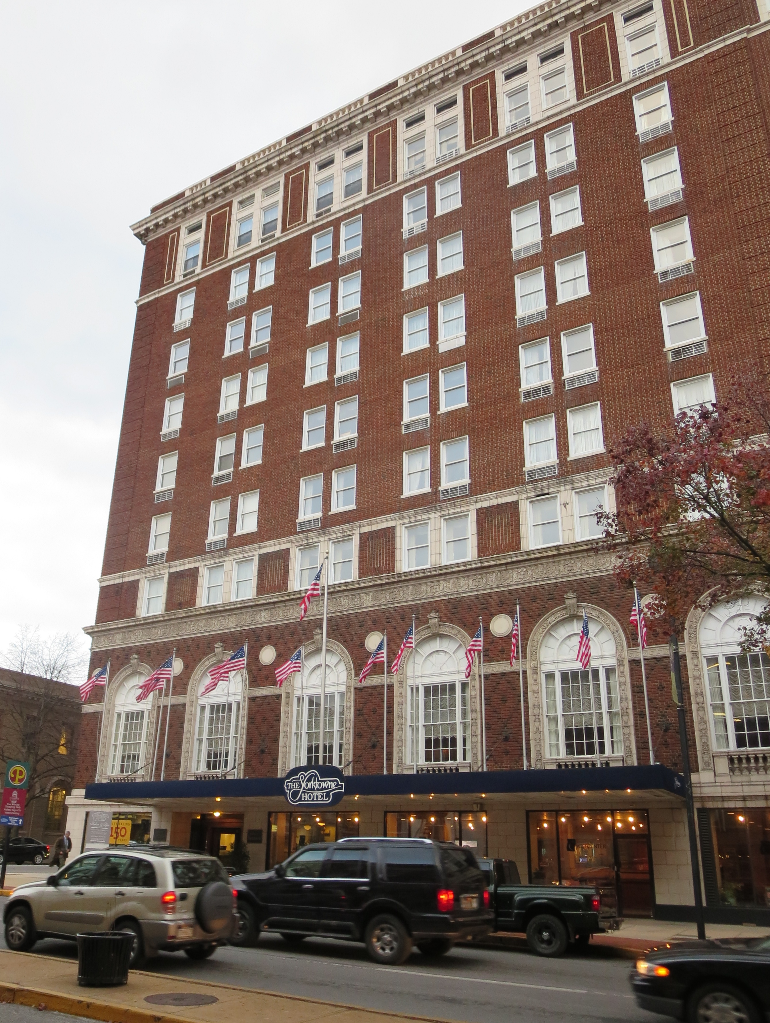 The yorktowne hotel in york pa exists in a time warp for Pennsylvania hotel new york haunted