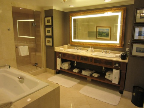 Bathroom: Suite 4500, The Broadmoor