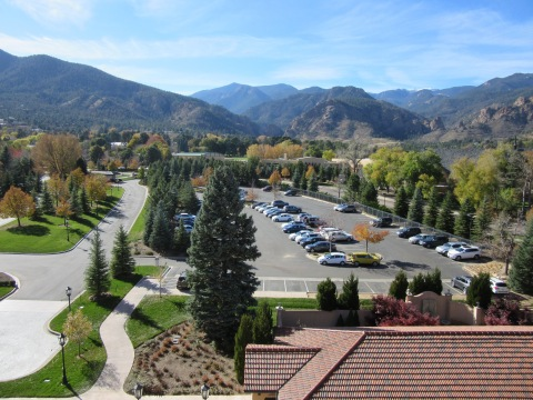 Mountains (and cars): Suite 4500, The Broadmoor