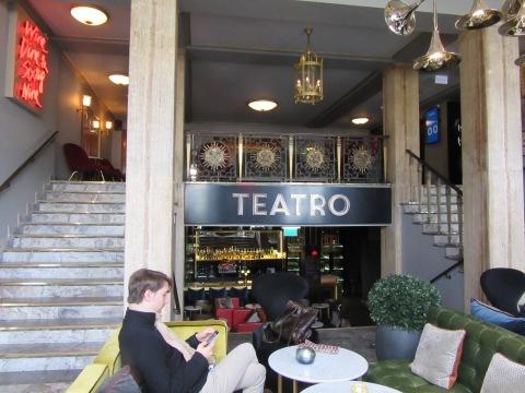 Teatro lobby