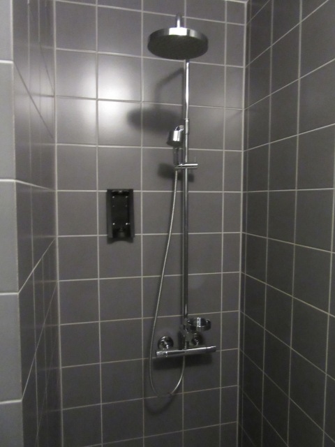 A nice non-plastic shower