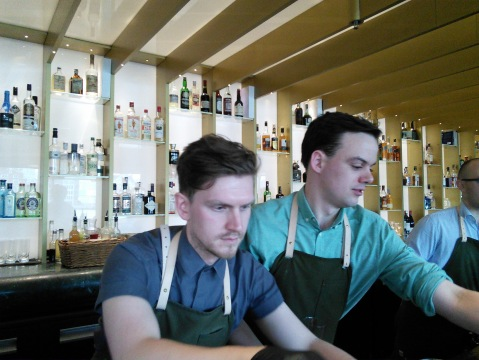 Dandelyan visit with Aiden, Alex and Jack behind the bar