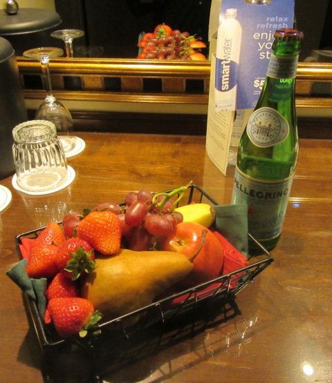 Fruit and sparkling water, a nice touch