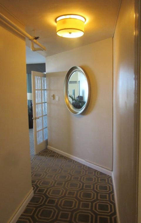 Entrance hallway 504